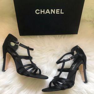 Authentic CHANEL CC Logo Chaus Ouvertes Sandals